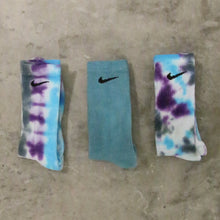 Load image into Gallery viewer, nike tie dye socks (3-pack)
