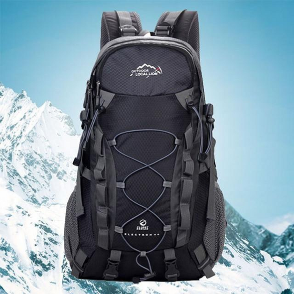 Outdoor 40L Mountaineering Backpack Functional Men Hiking Bag