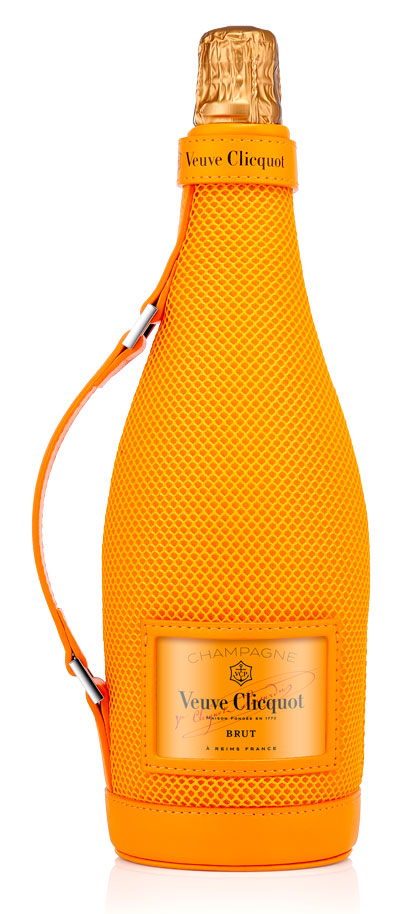 Veuve Clicquot Brut Champagne 1,500ml - Magnum in Ice Jacket