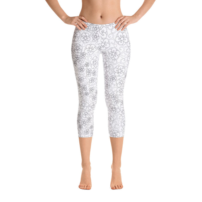 SIGNATURE Capri Leggings