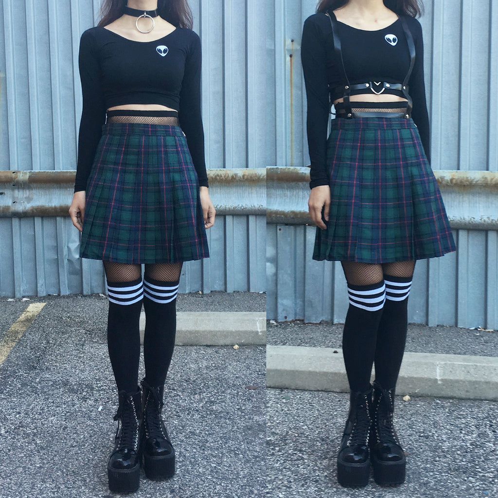a3d81782a11b NEW- 90s grunge GREEN PLAID OUTFIT