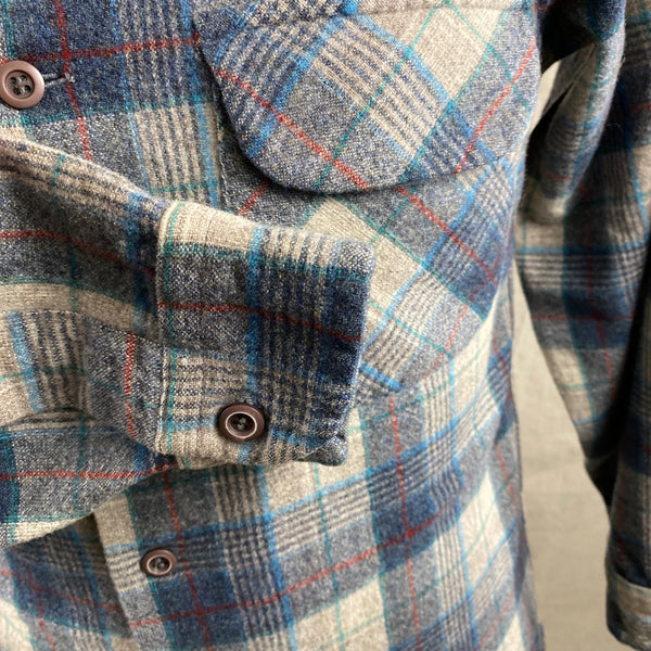 Right Cuff View of Vintage Blue/Grey/Red Pendleton Board Shirt SZ M