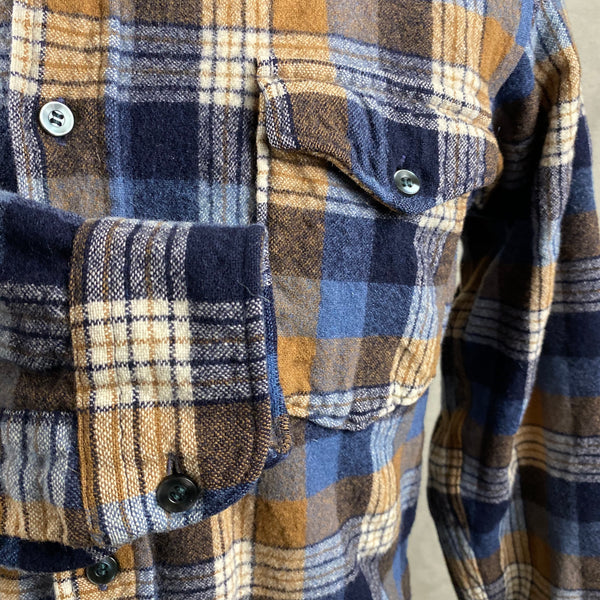Right Cuff View of Vintage Pendleton Plaid Wool Flannel Shirt SZ 16 1/2
