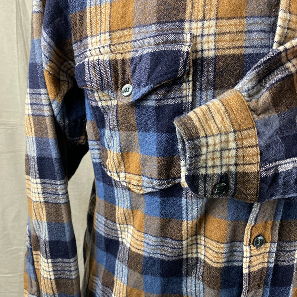 Left Cuff View of Vintage Pendleton Plaid Wool Flannel Shirt SZ 16 1/2