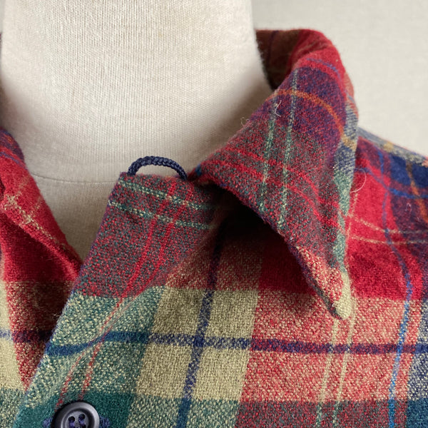 Close Up Collar View of Pendleton Red Blue & Green Plaid Wool Board Shirt SZ XL
