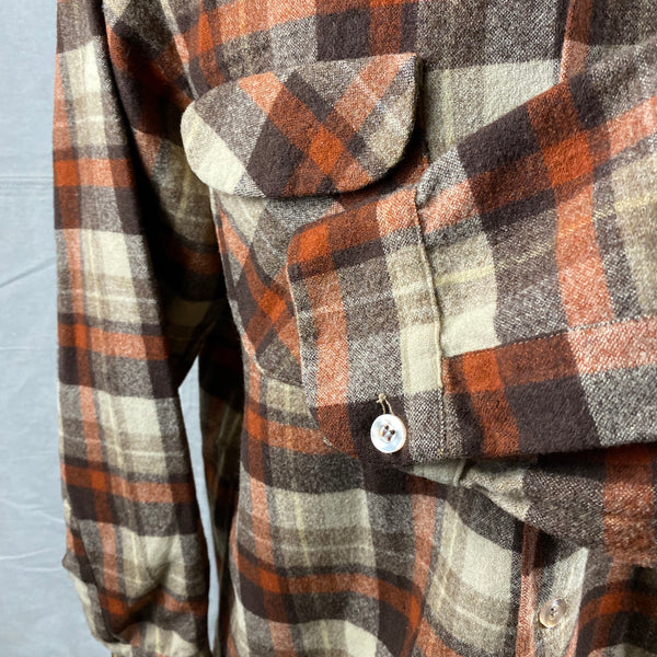 Left Cuff View of Vintage Brown & Tan Pendleton Board Shirt SZ L