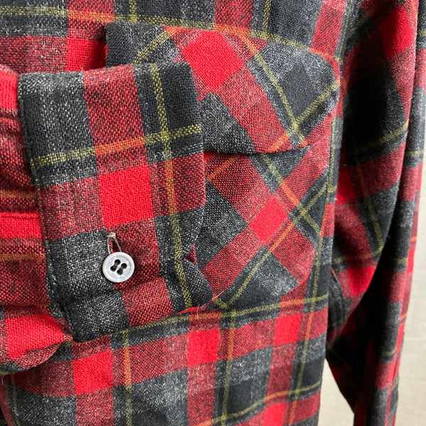 Right Cuff View of Vintage 50s/60s Era Red and Black Pendleton Board Shirt SZ M