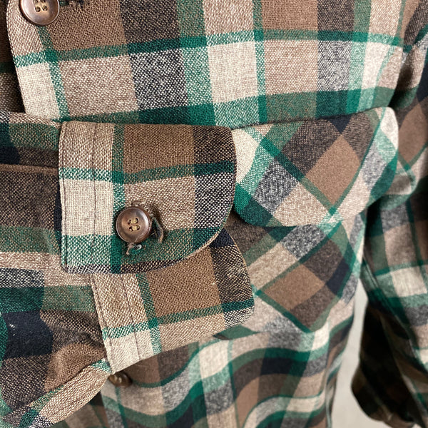 Right Cuff View on Vintage Green & Brown Pendleton Board Shirt SZ M