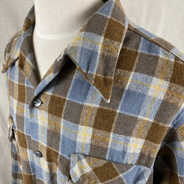 Left Angle Collar View on Vintage Blue & Grey Pendleton Board Shirt SZ XL