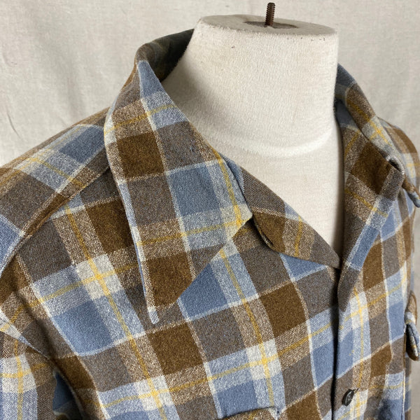 Right Collar Angle View of Vintage Blue & Grey Pendleton Board Shirt SZ XL