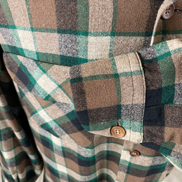Left Cuff View on Vintage Green & Brown Pendleton Board Shirt SZ M