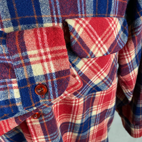 Right Cuff View on Vintage Red & Blue Pendleton Board Shirt SZ L