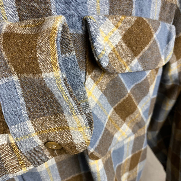Right Cuff View on Vintage Blue & Grey Pendleton Board Shirt SZ XL