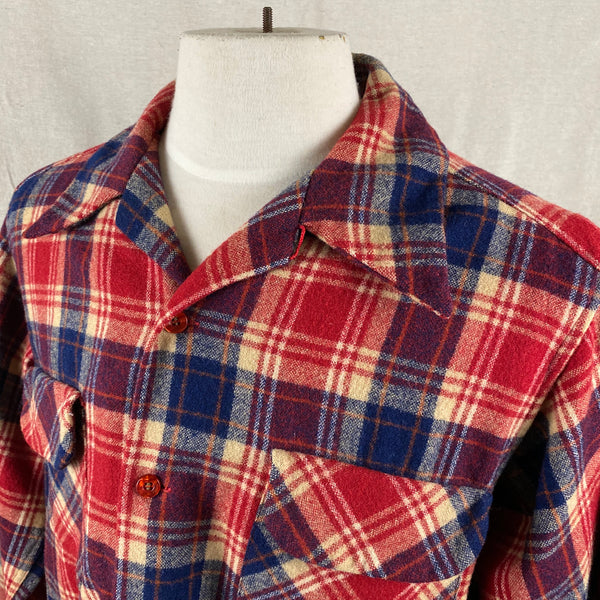 Left Collar View on Vintage Red & Blue Pendleton Board Shirt SZ L
