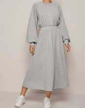 Load image into Gallery viewer, SweatShirt dress