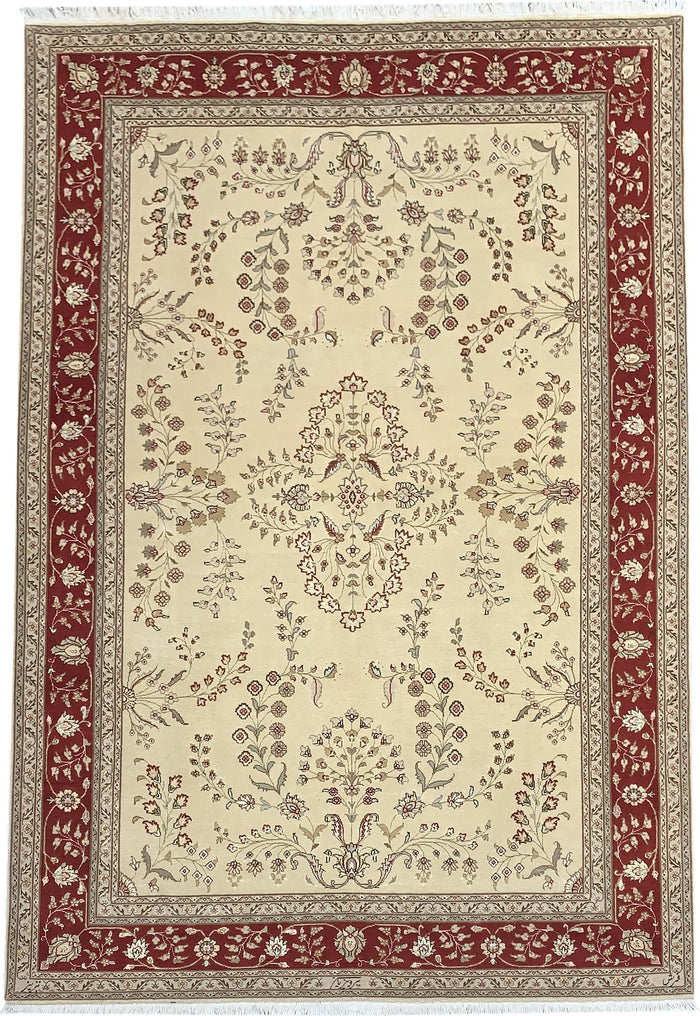 TRADITIONAL RUG - SIZE: 294CM X 200CM