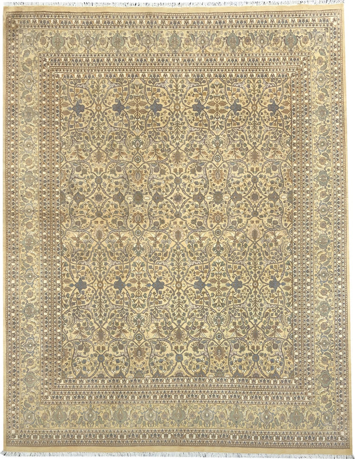 TRADITIONAL RUG - SIZE: 350CM X 272CM