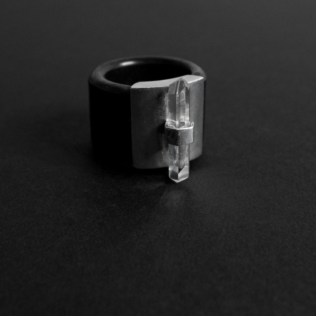 WOOJU CRYSTAL RING minimalist.space Hand made crystal ring