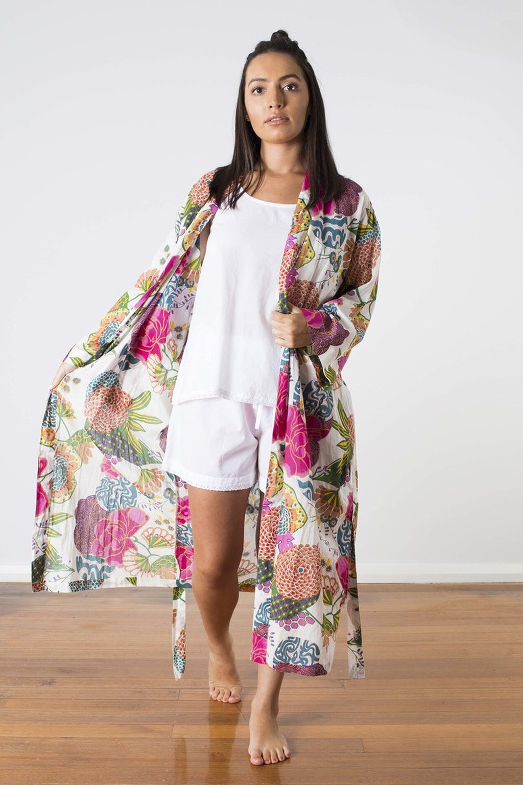 Linens Unlimited-Kimono samara white-Mott and Mulberry