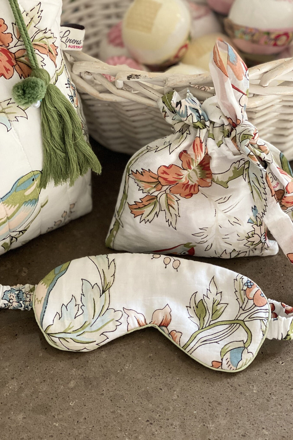 Linens Unlimited-Vintage birds eye mask-Mott and Mulberry