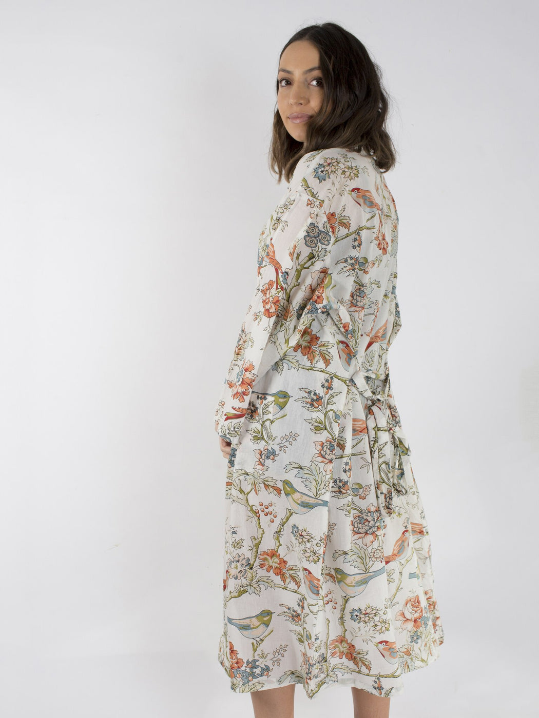 Linens Unlimited-Vintage birds long kimono-Mott and Mulberry