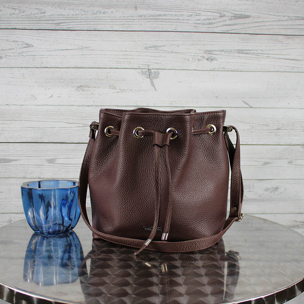Casey Bucket Bag (Raisin)