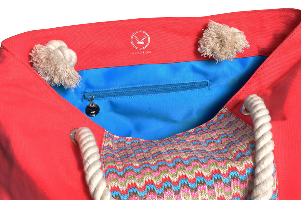 beach bag with blue lining