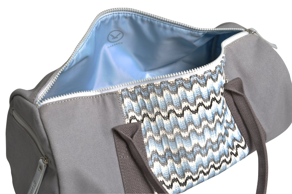 MAKARON's duffle bag with light blue waterproof lining
