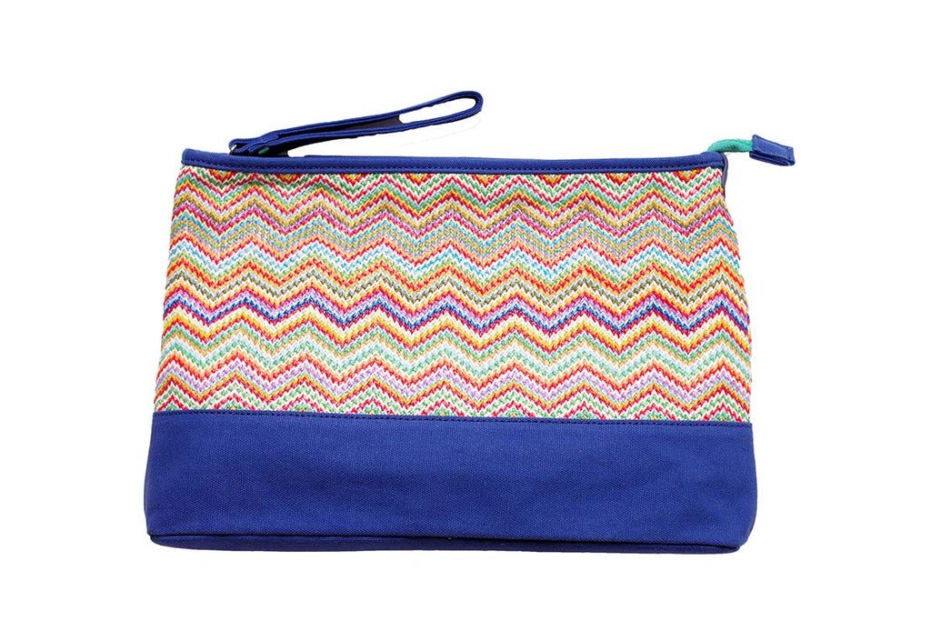 blue and zigzag pattern for this travel bag