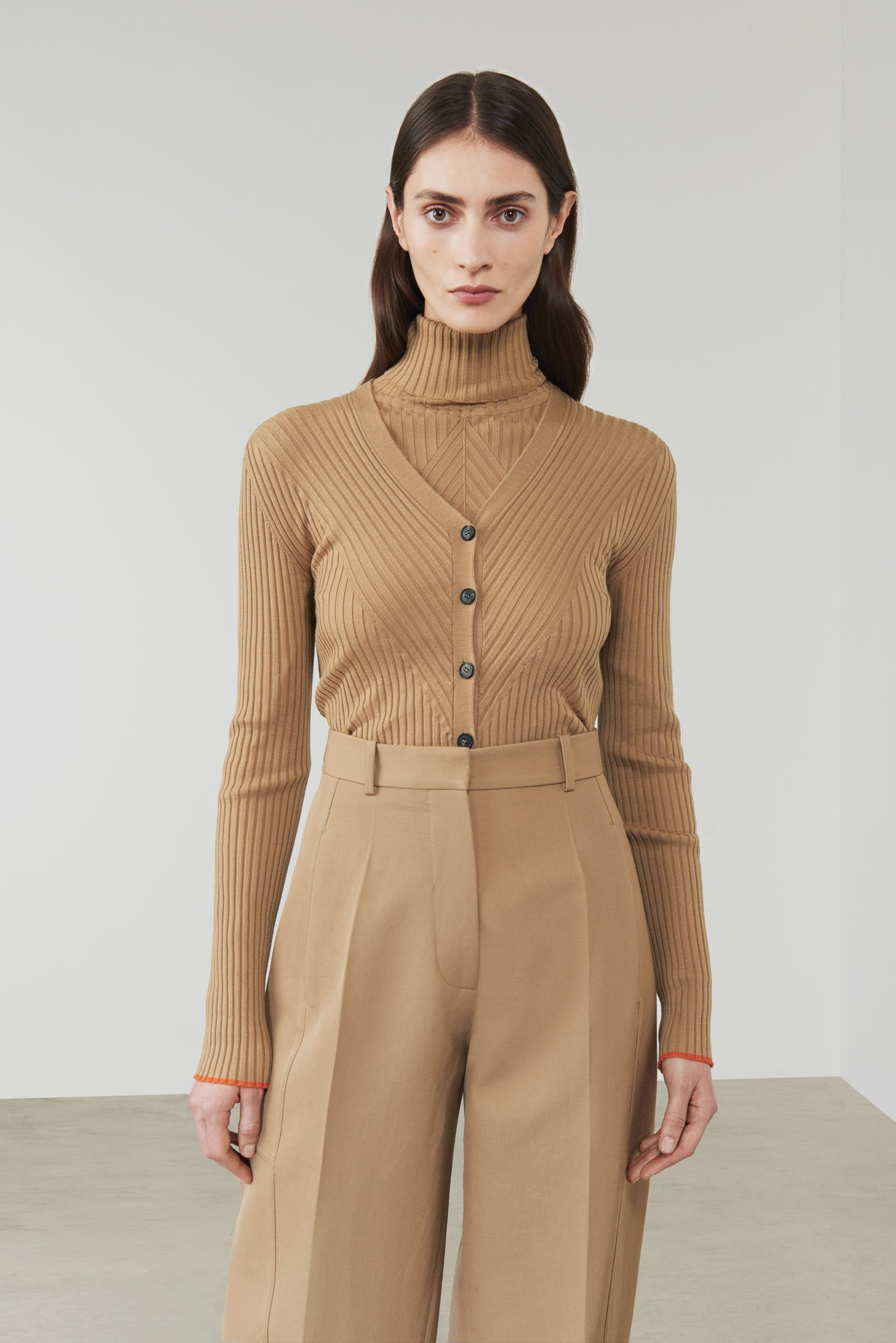 Beige outfit - Autumn/Winter 2019 must-haves