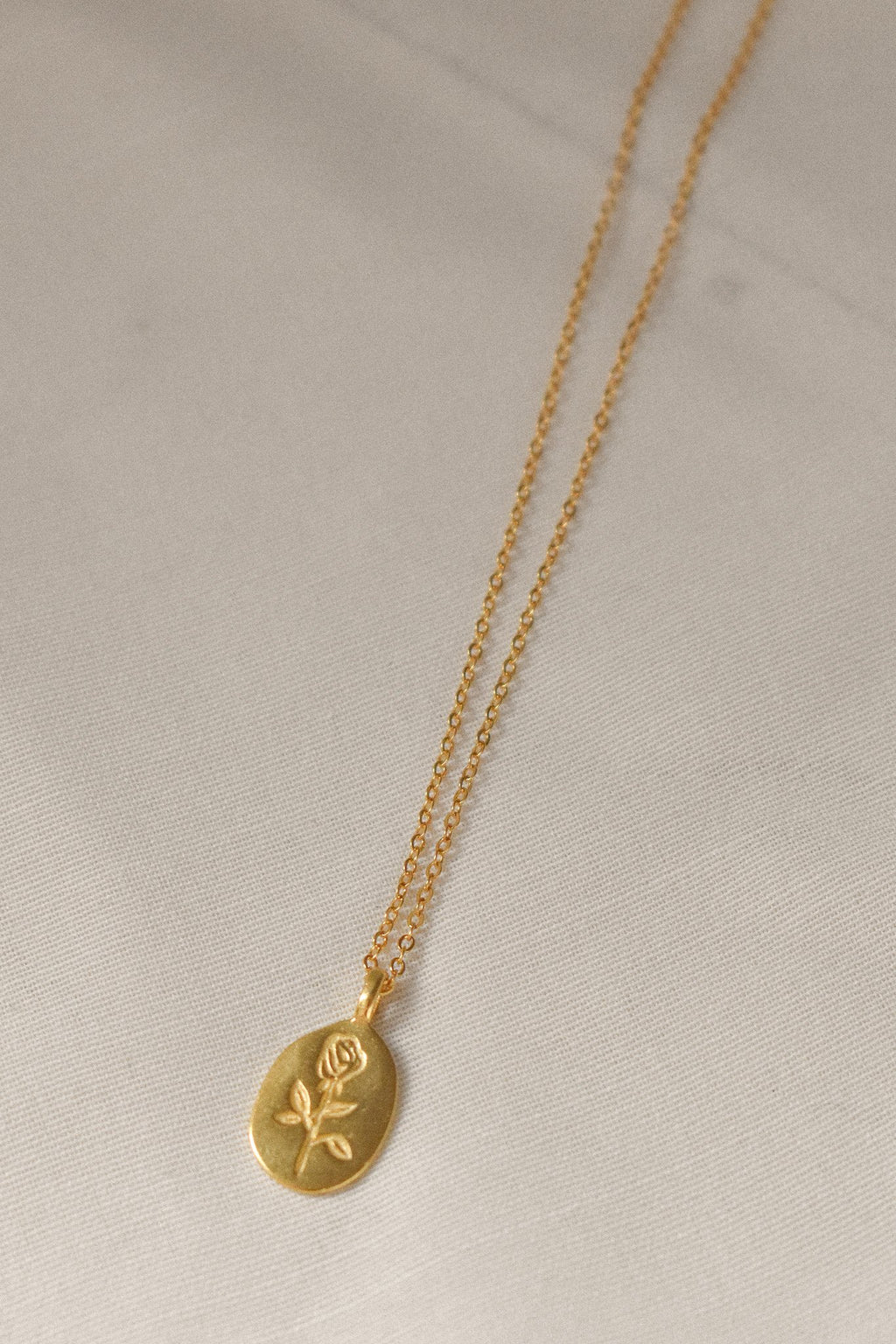 Rosa Necklace Gold