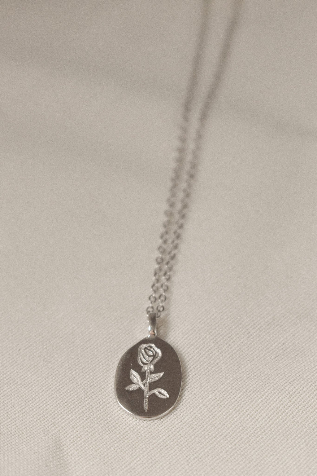 Rosa Necklace Silver