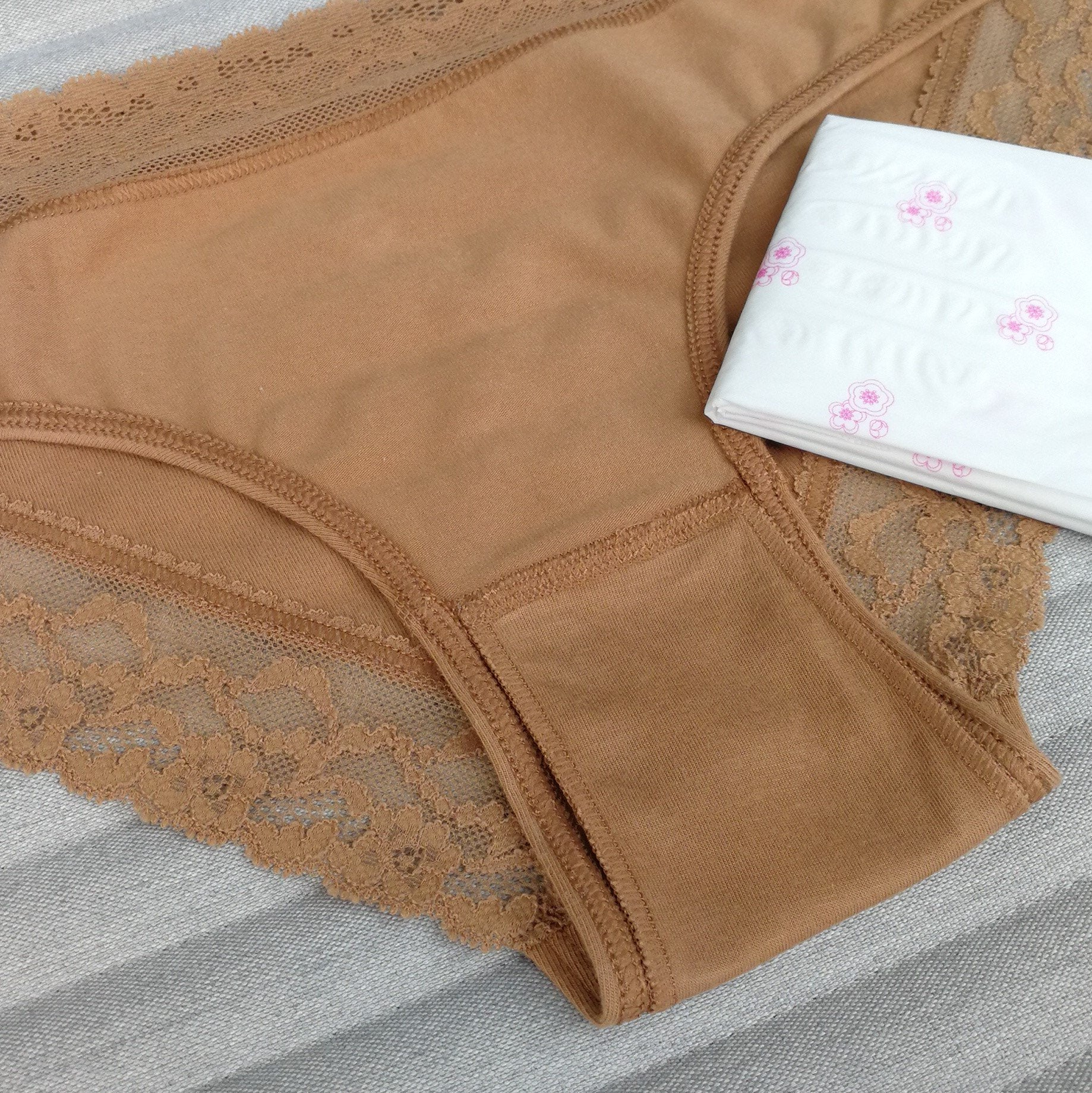 EiVi patented double gusset underwear period panties