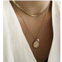 Load image into Gallery viewer, Misuzi Dylan Herringbone Chain - Gold
