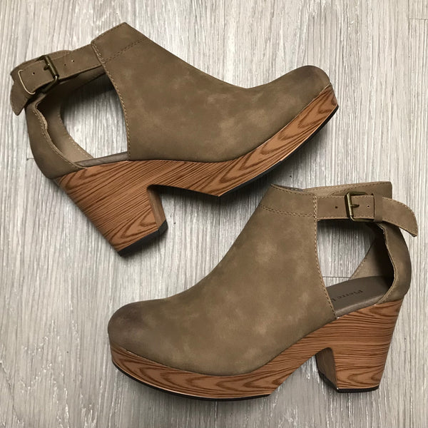 Ashley Taupe Clog Wedges-Shop-Womens-Boutique-Clothing