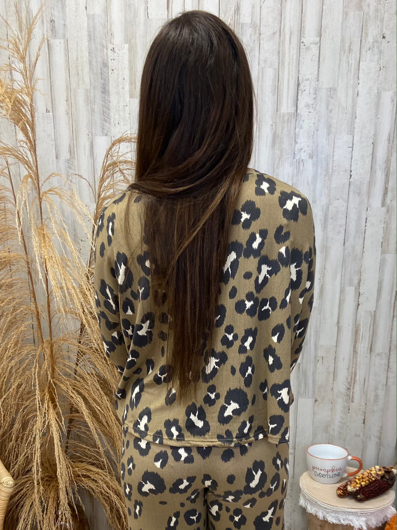 Curl Up With You Mocha Leopard Top-Shop-Womens-Boutique-Clothing