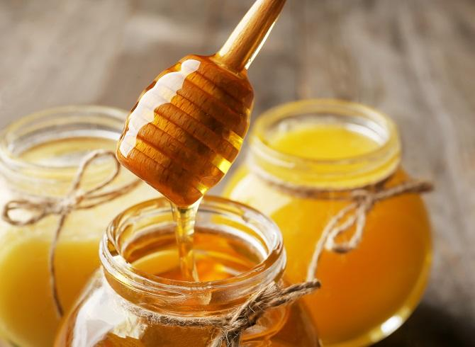 What Is the Difference Between Regular, Raw, and Manuka Honey?
