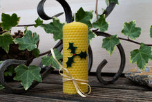 Load image into Gallery viewer, Rolled Natural beeswax candle - Holly