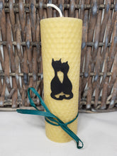 Load image into Gallery viewer, Hand-rolled pure beeswax candle – An Cat Dubh