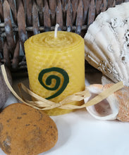 Load image into Gallery viewer, Hand-Rolled natural beeswax candle with Celtic Spiral design