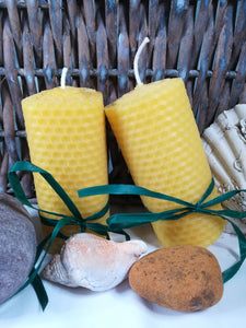 Duo of hand-rolled natural beeswax candles - Square and Round