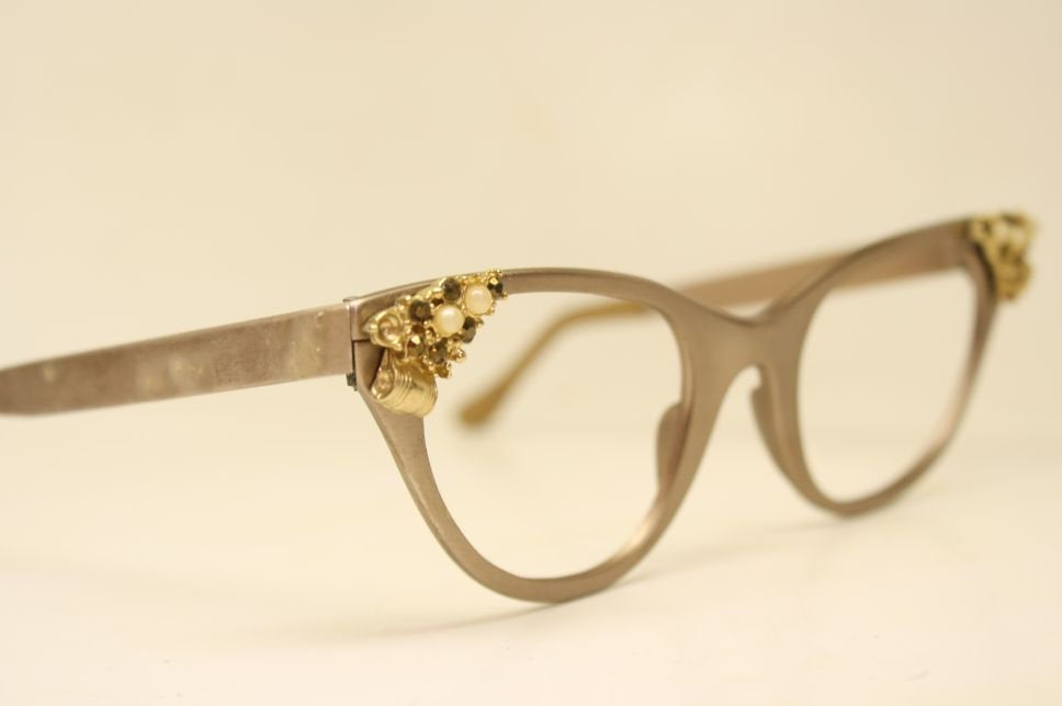 Unused Tura Brown Pearl Cat Eye Eyeglasses Vintage Eyewear Retro Glasses Cat Eye Frames