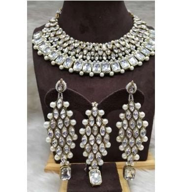Choker set with earrings