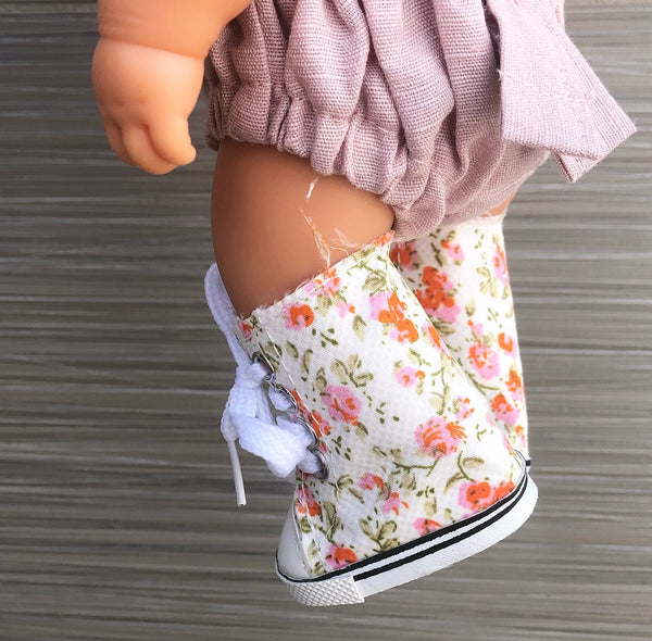 Blossom doll shoes: (to fit 21cm Miniland)