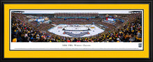 Framed, double yellow matte panorama 2016 Winter Classic Bruins vs. Candiens - Sports Fanz