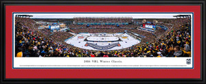 Framed, double red matte panorama 2016 Winter Classic Bruins vs. Candiens - Sports Fanz