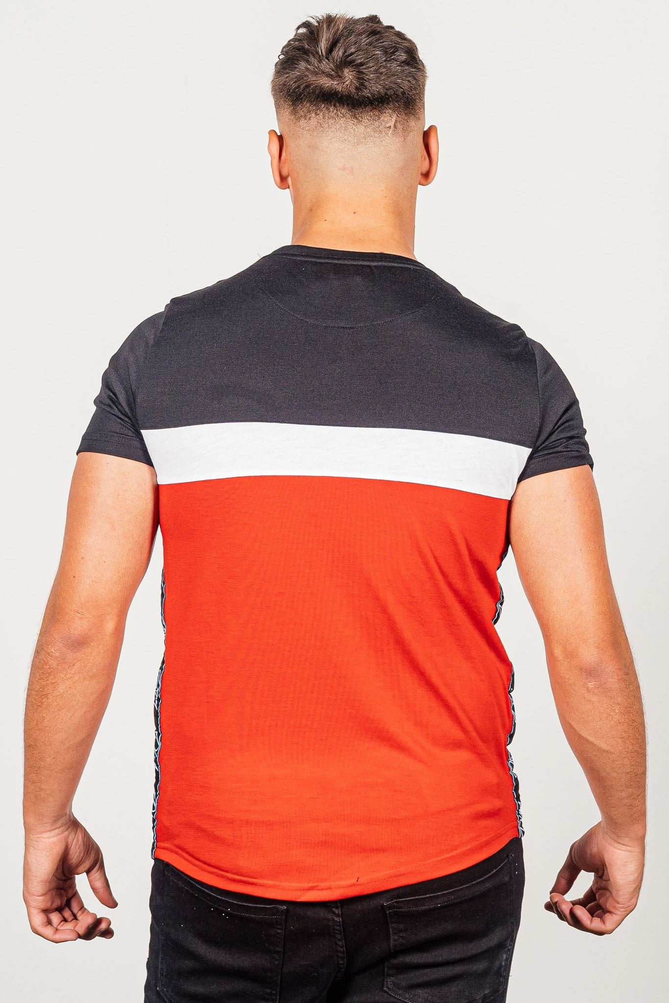 Men's Emanuel T-Shirt in Red - DEFEND LONDON