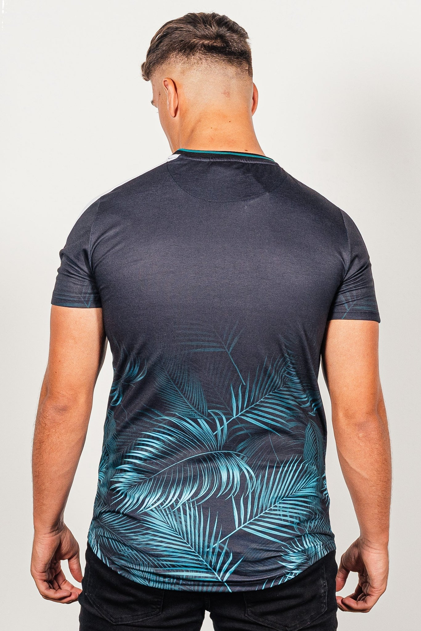 Men's Leaf T-Shirt in Black - DEFEND LONDON