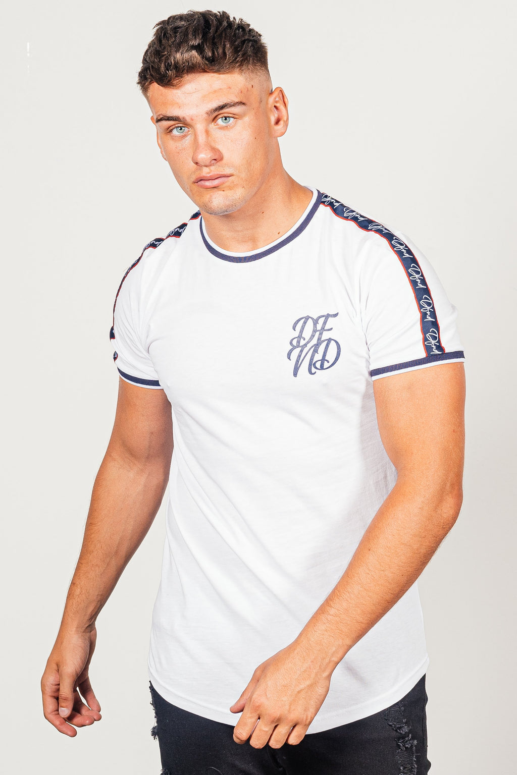 Men's Solomon T-Shirt in White - DEFEND LONDON