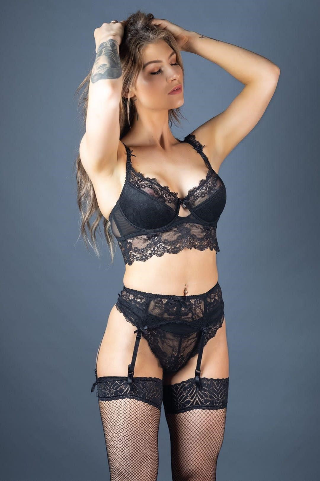 Moon Lace Black Suspender